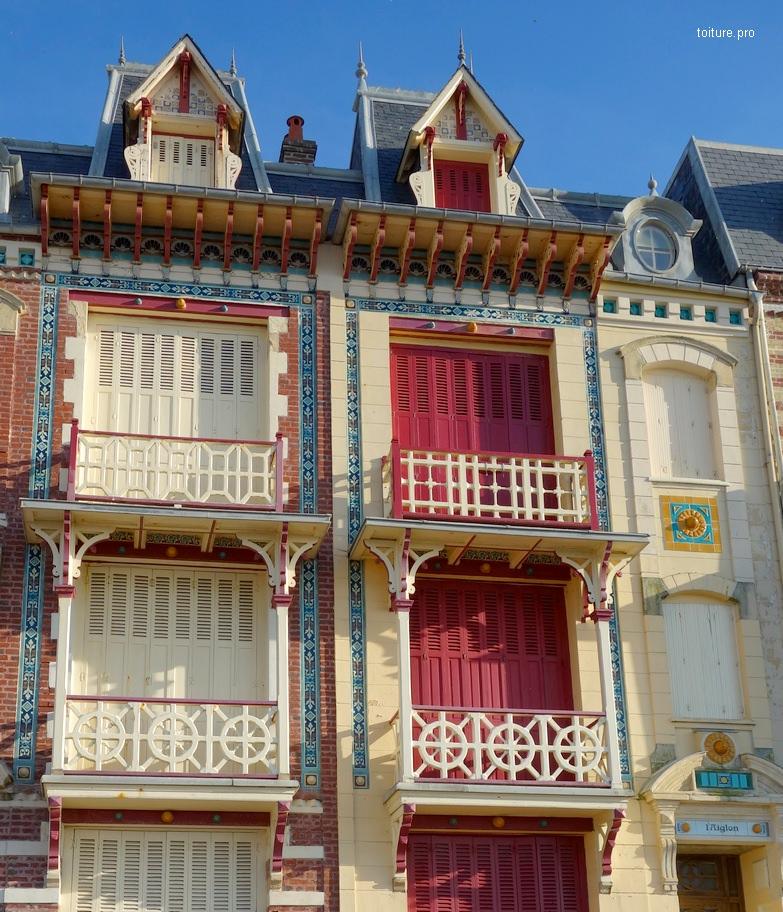 Aisseliers d'un avant-toit et de balcons.