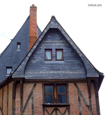 L'ardoise est utilisée depuis des siècles en couverture comme en bardage.