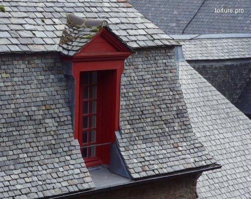 Toiture en ardoise le point sur les prix en 2018 for Combien coute un nettoyage de toiture