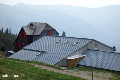 L'étanchéité, talon d'Achille du toit en montagne.