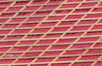Litonnage et liteaux bois sur écran, en rénovation de couverture.