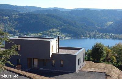 Toit terrasse plat en altitude, à Gérardmer.